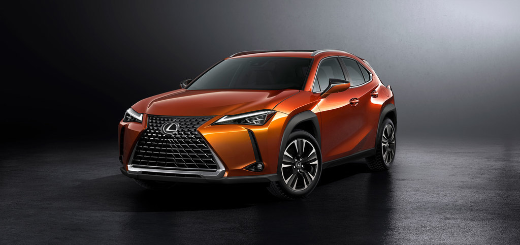 18,03,06,gallery,lexus,ux,reveal,14.